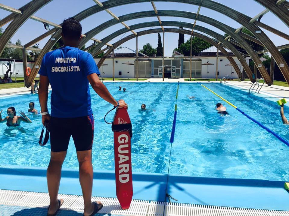 Hoy s bado abre sus puertas la piscina municipal de for Piscina municipal de salt